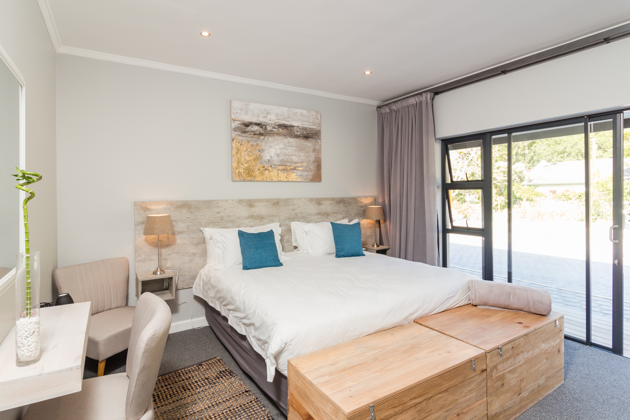 Hole in One - The Greens Guest House Knysna